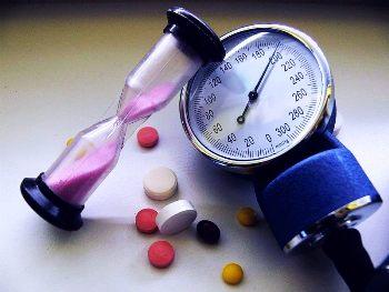 Гипертонический криз: симптомы лечение и неотложная помощь