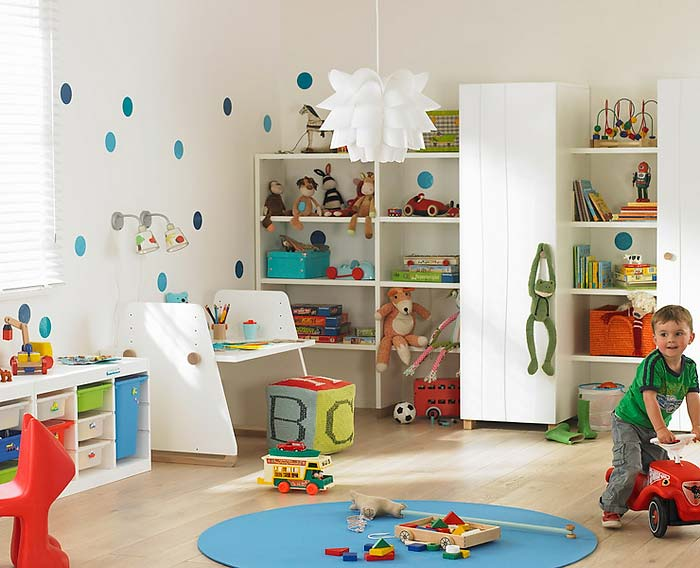 kids-playing-room-13