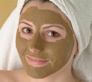 """Luvos Heilerde Maske. Verwendung des Pressefotos mit dem Nachweis """"© Luvos"""""""
