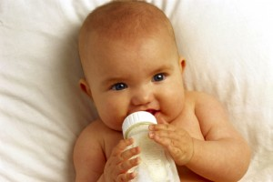 Baby Drinking From Bottle bxp29573h