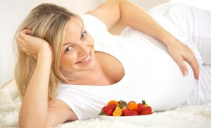 dieta-pri-beremennosti-vo-vremya-menu-trimestr-740x450