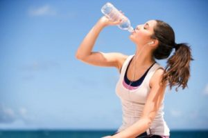 girl-drinking-bottled-water_tumb_660