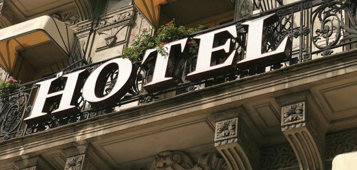 HotelSignfinal1-702x336
