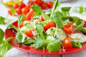 kak-sdelat-vkusnyj-i-poleznyj-salat1