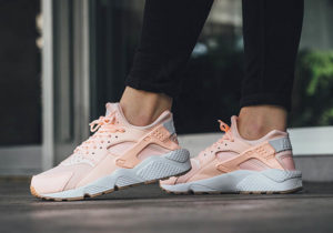nike-wmns-air-huarache-sunset-tint-1