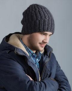 Як вибрати стильну чоловічу зимову шапку  c9e793c152be3